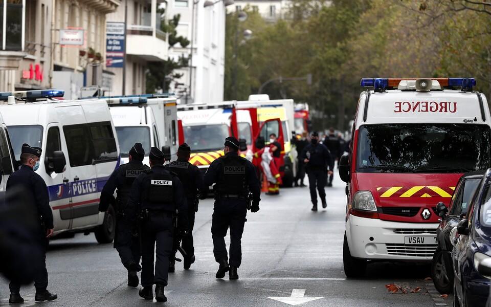Нападение у здания бывшей редакции Charlie Hebdo.