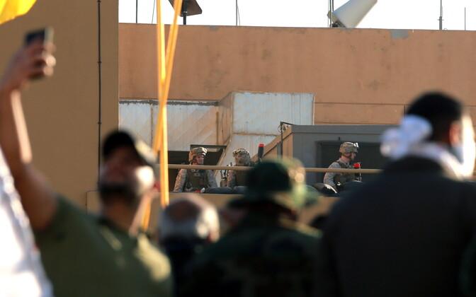 USA sõdurid oma saatkond Bagdadis kaitsmas eelmise aasta detsembris, kui vihased šiiidid seda ründasid.
