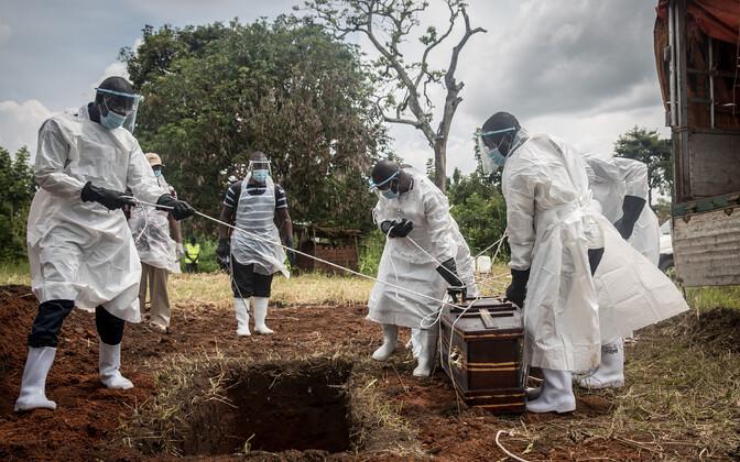 COVID-19 ohvri matmine Ugandas.