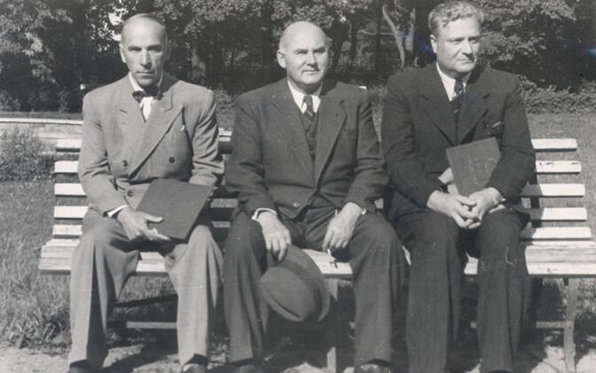 Semper, Barbarus, August Jakobson ca 1939.