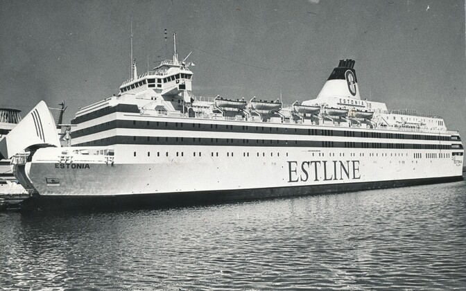 Parvlaev Estonia Tallinnas kai ääres