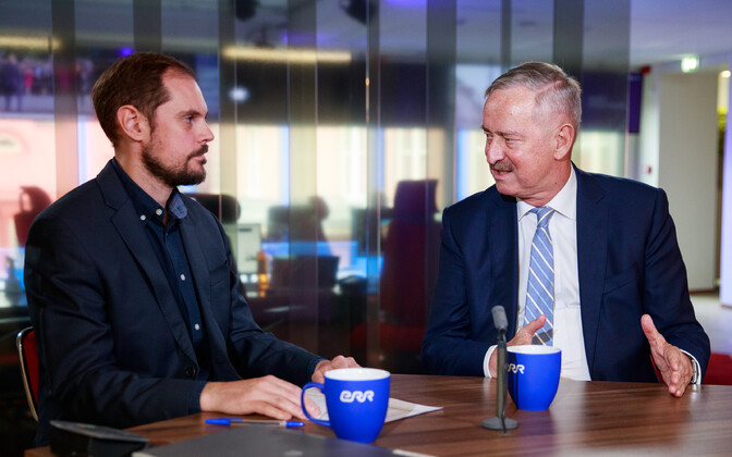 Siim Kallas (right) with