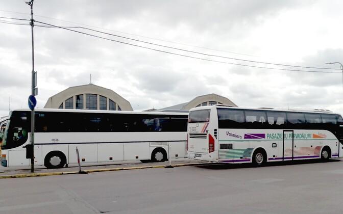 Автобусы на Рижском автовокзале.