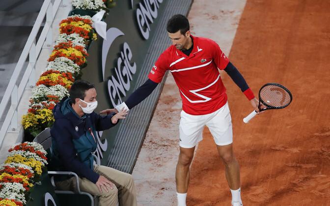 Novak Djokovic koos järjekordse ohvriga