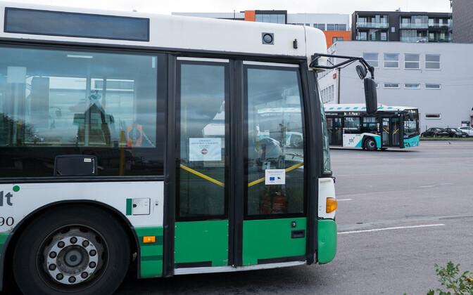 Бесплатным проезд в общественном транспорте Таллинна остается только для зарегистрированных горожан.