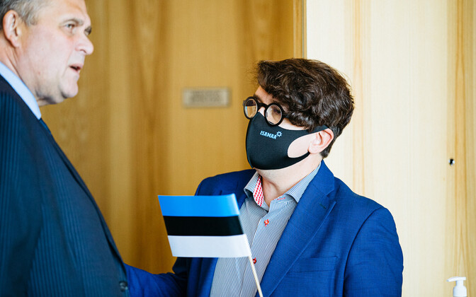 Isamaa peasekretär Priit Sibul ja justiitsminister Raivo Aeg erakonna volikogul