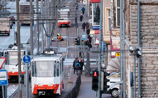 Общественный транспорт Таллинна для жителей города является бесплатным.