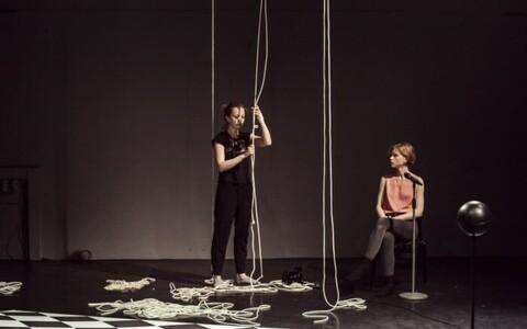"""Mailiis Laur ja Bohdana Korohod lavastuses """"Romeo & Julia #5"""""""