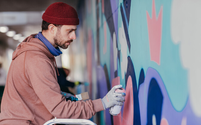 Художник Андрей Кедрин активно интересуется историей искусства и организовывает свои художественные мероприятия.
