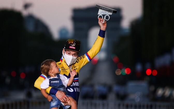 Primož Roglic Tour de France'i pjedestaalil