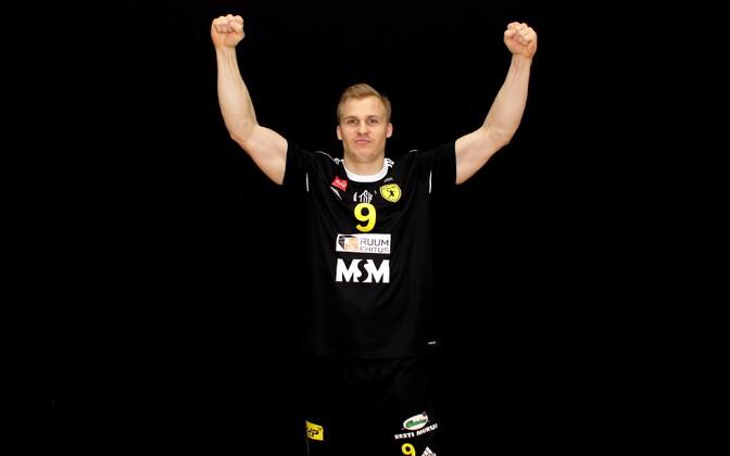 Kümneaastase vaheaja järel Eesti meistriliigas mängiva Mikk Pinnoneni esmamuljed on positiivsed.