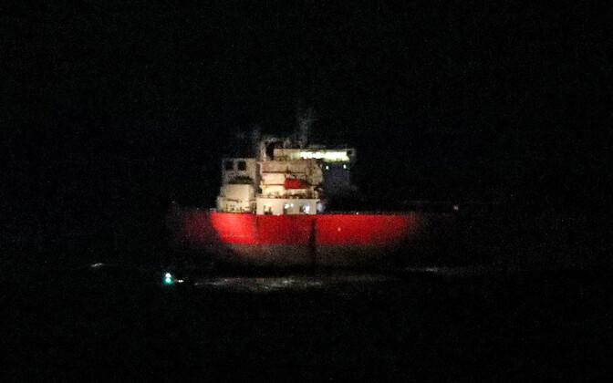 Tanker Nave Andromeda Wighti saare juures.