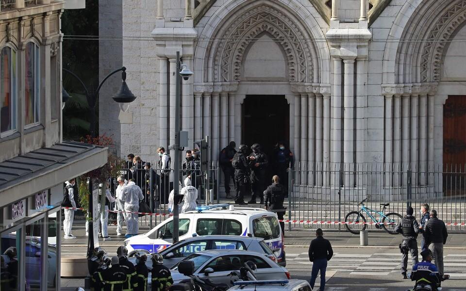 Нападение произошло в Базилике Нотр-Дам-де-Нис.