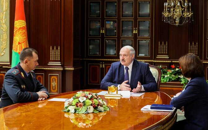 Aleksandr Lukašenko ja Valgevene uus siseminister Ivan Kubrakov.