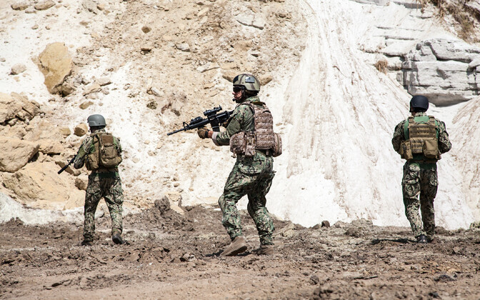 USA eriüksuse SEAL võitlejad tegevuses.