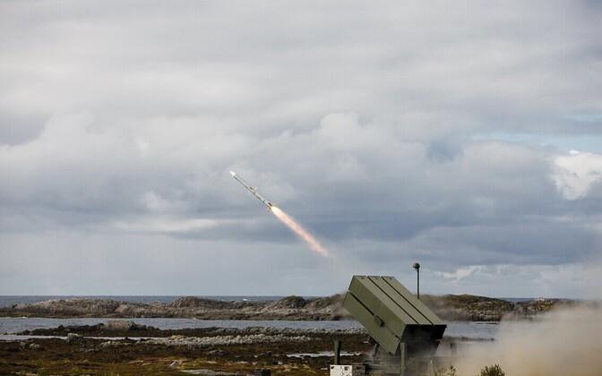 Õhukaitseüstseemi NASAMS raketilaskeseade.