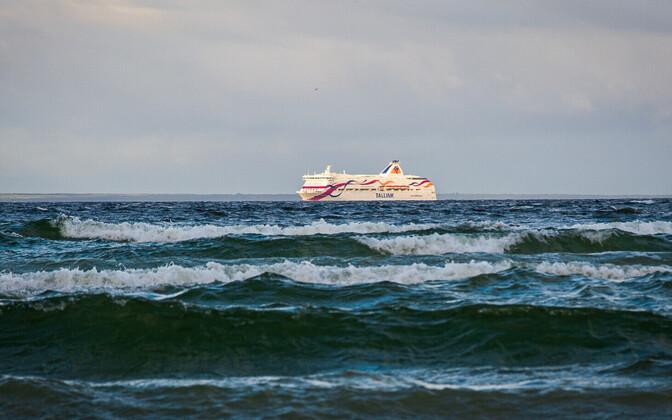 Tallinki laev merel.