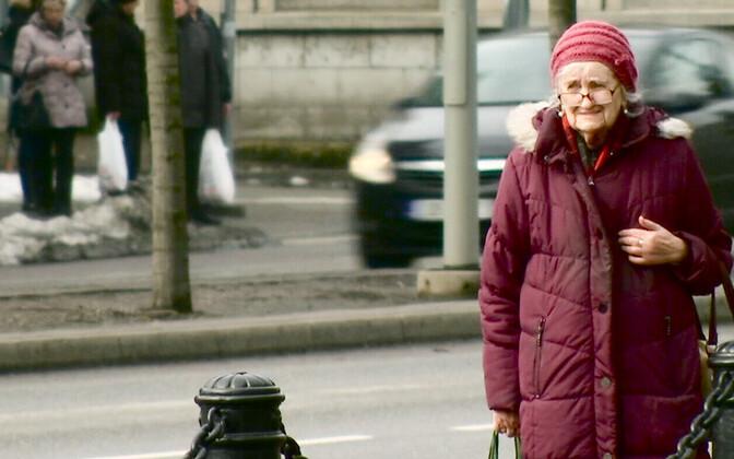 С 1 апреля в Эстонии вырастут пенсии.