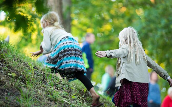 У среднего эстонского отца - два ребенка.