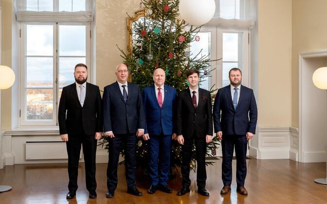 Министры от EKRE в декабре 2019 года. В ноябре 2020 года в должности из них остались только двое - Мартин Хельме и Арво Аллер.