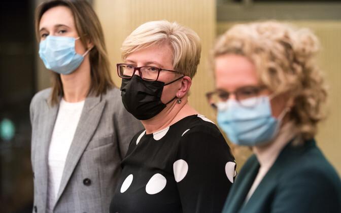 Leedu Liberaalse Liikumise juht Viktorija Cmilyte Nielsen, peaministrikandidaat Ingrida Šimonyte ja Vabaduspartei liider Aušrine Armonaite Aušrine Armonaite.
