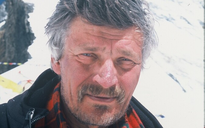 Tõivo Sarmet on Mount Everest.