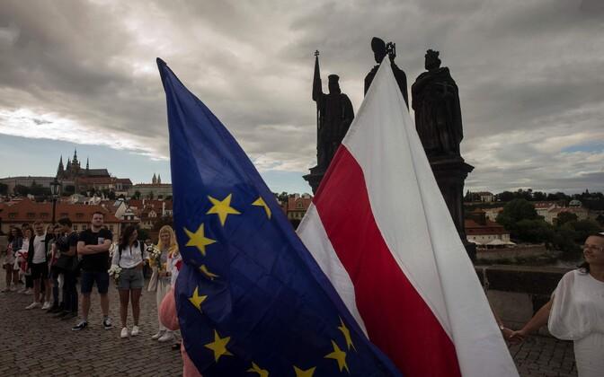 Euroopa Liidu ja Valgevene opositsiooni lipp.