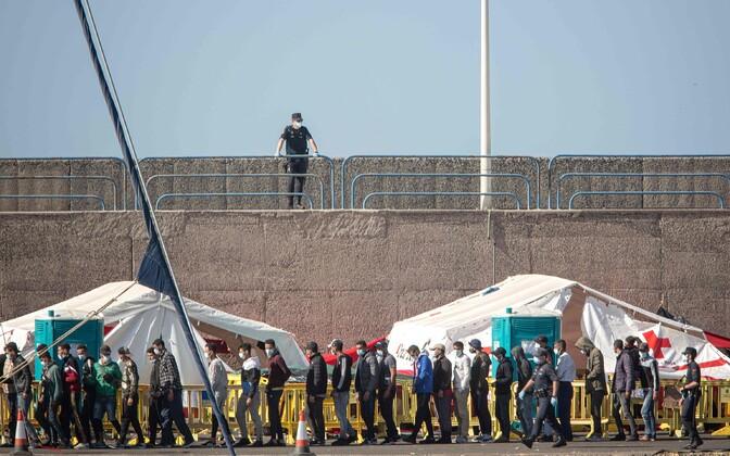 Migrandid Arguneguini sadamas.