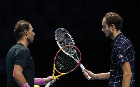 Rafael Nadal ja Daniil Medvedev aastalõputurniiri poolfinaali järel