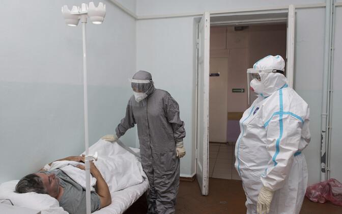 Koroonaviirusega nakatunud patsient ja tema arstid Venemaal Burjaatias.