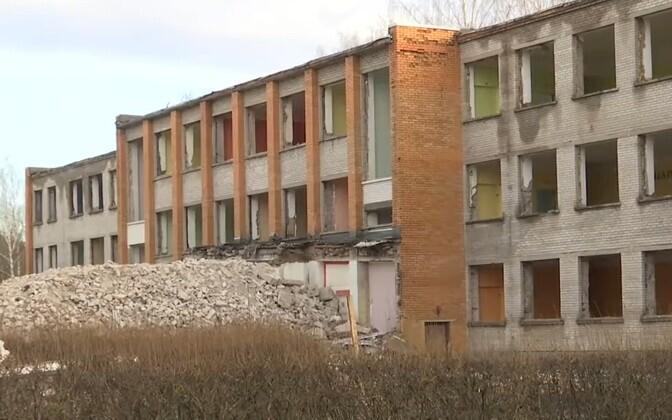 Старое здание школы Прийметса.