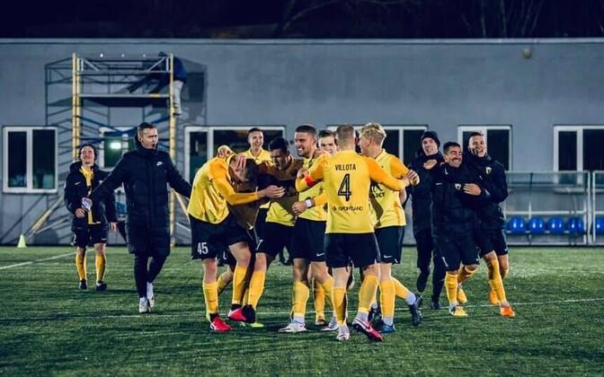 Pärnu Vaprus celebrating their promotion to the top flight Wednesday evening.