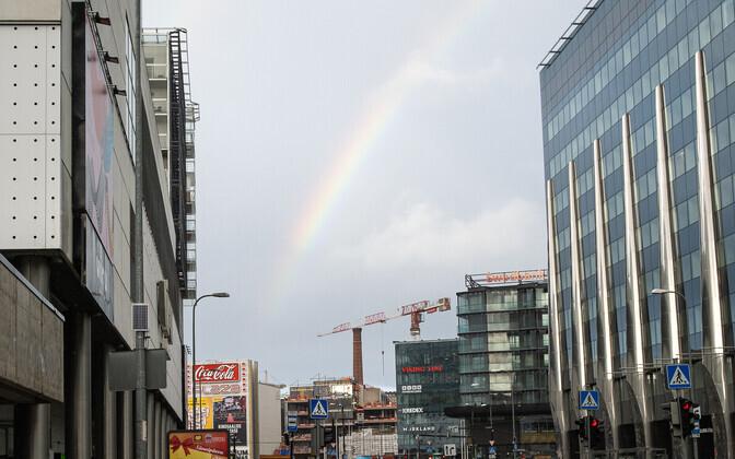 Фотографу удалось запечатлеть радугу над главным офисом Эстонского союза христиан.
