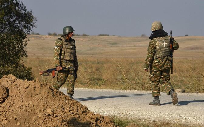 Armeenia sõdurid patrullimas.