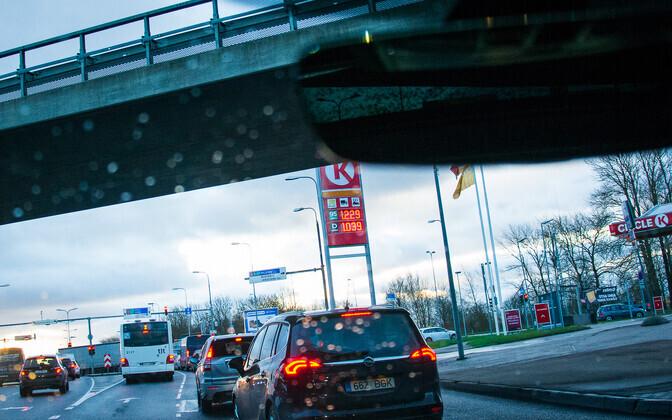 Oktoobris suurenes muu hulgas mootorikütuse jaemüüjate müügitulu