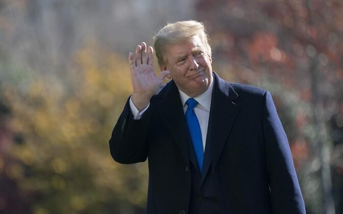 President Trump pärast tänupüha Valgesse Majjas tagasi saabumas.