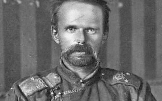 Roman von Ungern-Sternberg in traditional Mongolian garb during the Russian Civil War.