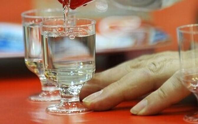 Закрытие границ привело к росту продаж алкоголя на юге Швеции и Финляндии.
