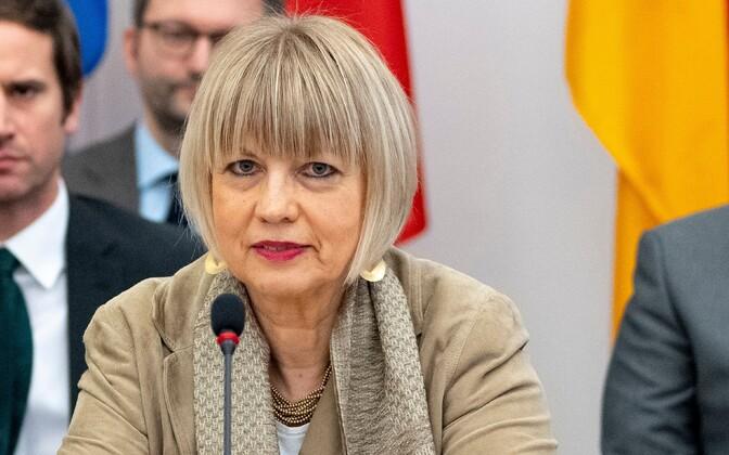 Новым генеральным секретарем ОБСЕ стала Хельга Шмид.