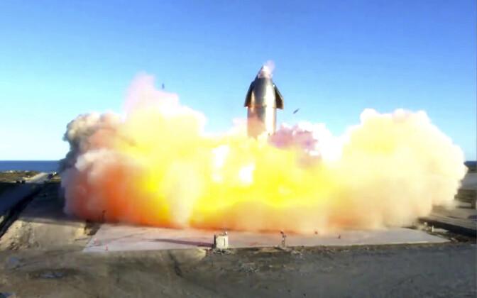 SpaceX süstik maandumisel plahvatamas