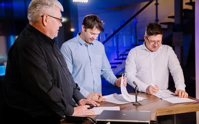 Тоомас Сильдам (слева), Тынис Стамберг и Урмет Коок.