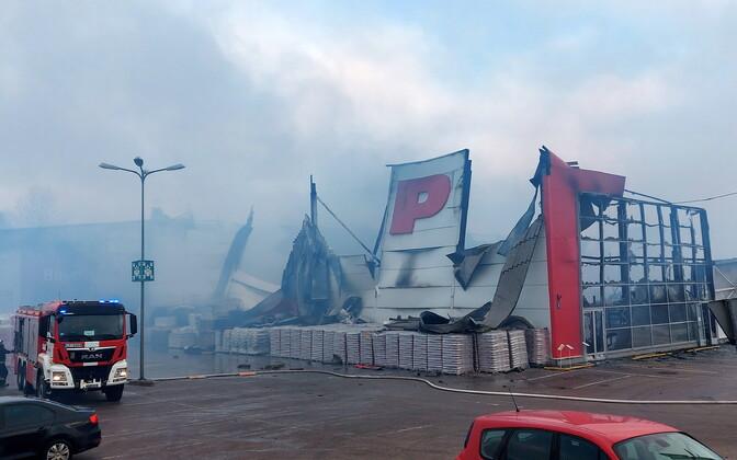 Пожар в латвийском магазине Depo.