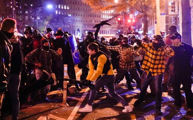 Meeleavaldajate kokkupõrge Washingtonis.