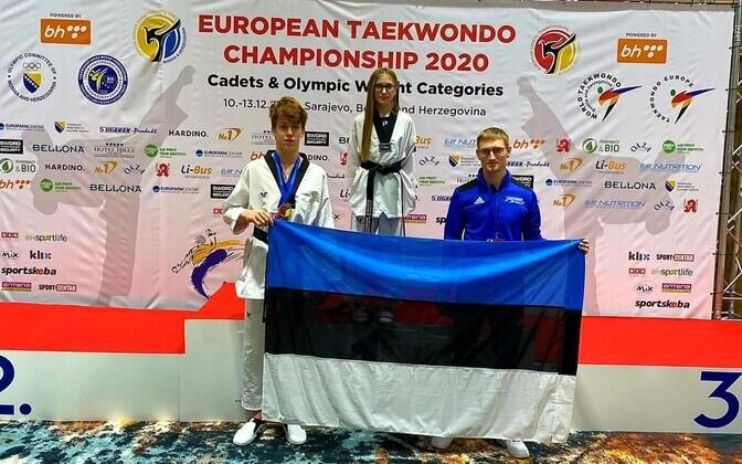 Aleksandr Muskevits ja Stefani Nikolajeva koos treener Aleksandr Galaktionoviga.
