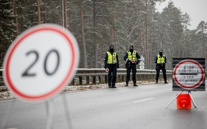 Politsei teetõke Vilniuse piiril