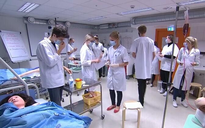 Medical students training to be nurses.