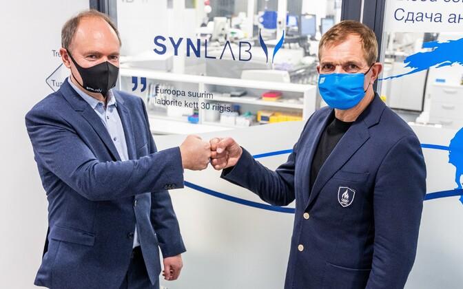 SYNLAB Eesti juhatuse liige Rainer Aamisepp ja EOK president Urmas Sõõrumaa