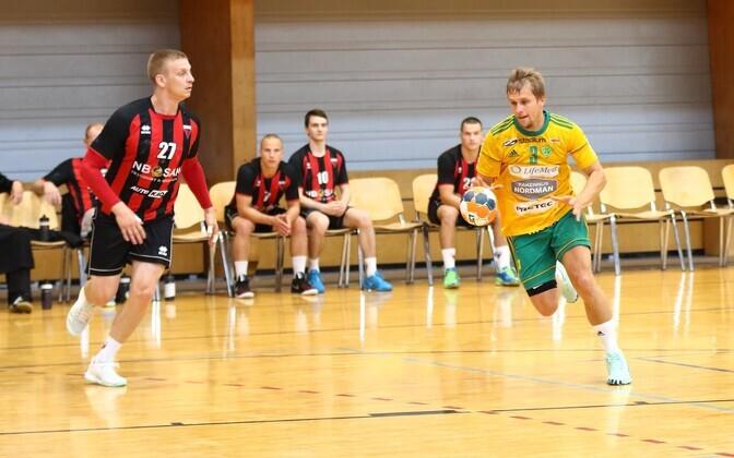 Ott Varik (palliga) lõpetas Siuntio IF-i särgis Soome meistrisarja 2020. aasta võidukalt ja resultatiivselt.