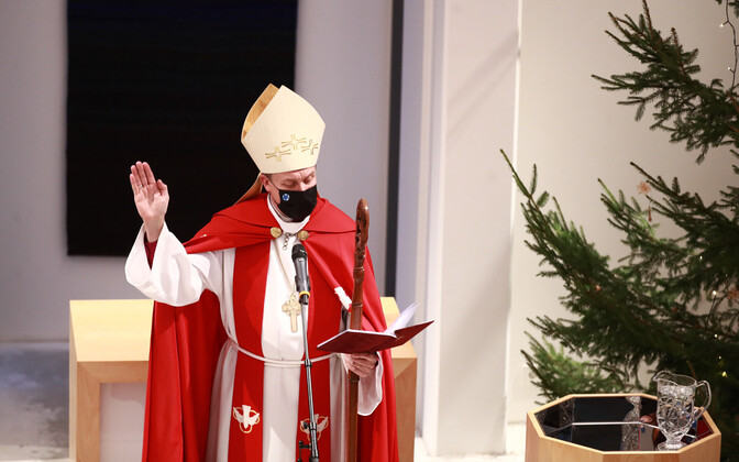 A face-mask wearing Archbishop Viilma at the Saku Church consectration recently.