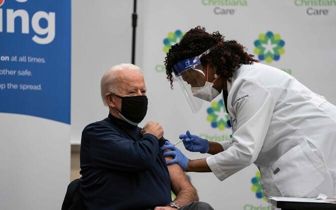 Вакцинация Джозефа Байдена.